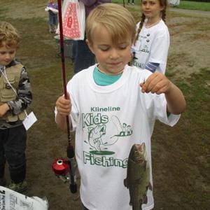derby tee w fish